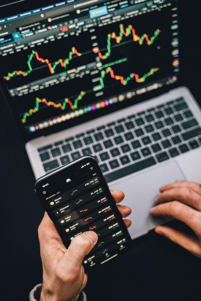 Porez kod ulaganja u kripto valute i dionice